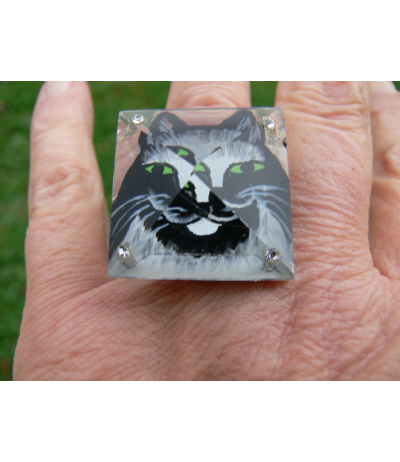 "Adjustable ring of a cat ""Rififi"" painted under the crystal by Juliette Ramade®"
