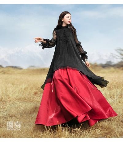 Superbe tunique longue noire en mousseline de soie doublée brodée noir Création Boshow TU