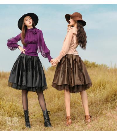 Magnifiques jupes courtes chocolat ou noire doublée tulle Création Boshow TU
