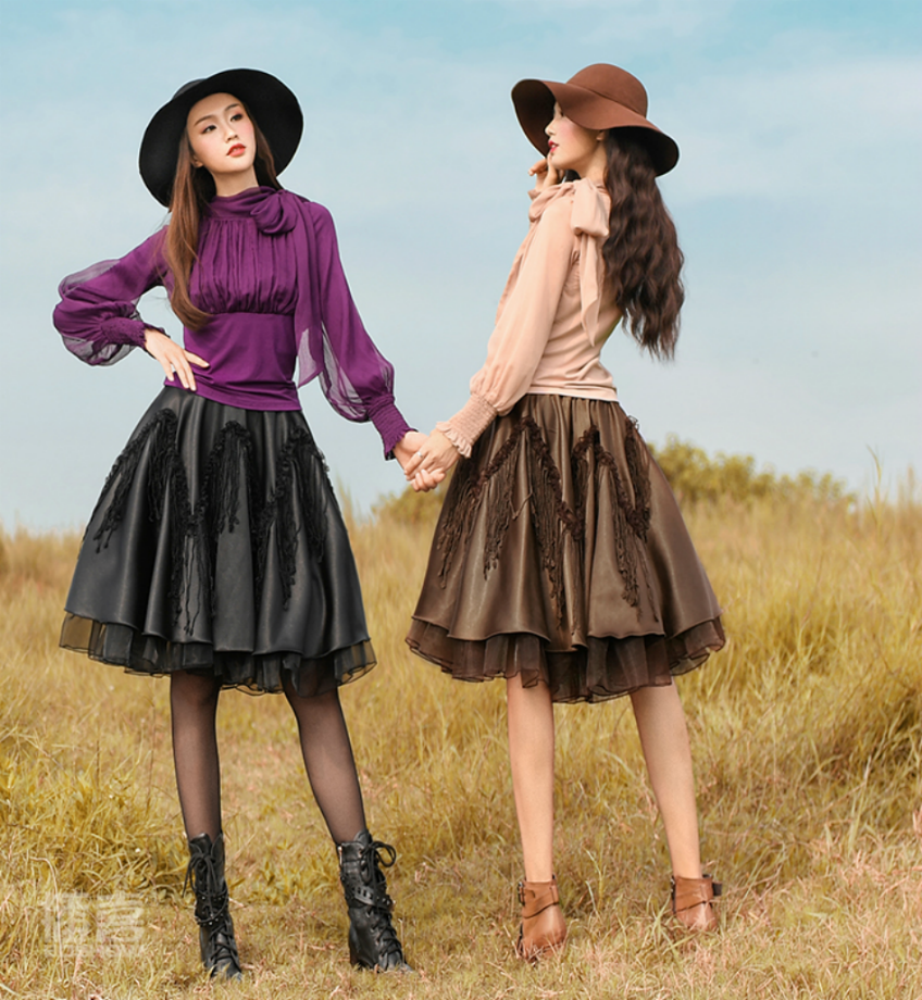 a40ffd0c8828 Beautiful short skirts on chocolate and black Boshow creation Free Size